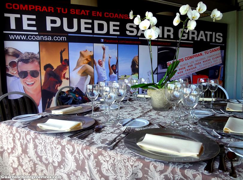 Aventuracoansa y las delicias de el jard n secreto en for Restaurante jardin canario