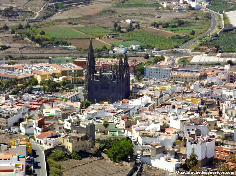 "Iglesia/ parroquia de San Juan Bautista o ""catedral de Arucas"". Arucas, Gran Canaria"