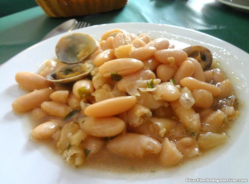 Fabes con almejas. Restaurante sidrería Puerta del Sol, Llanes (Asturias)